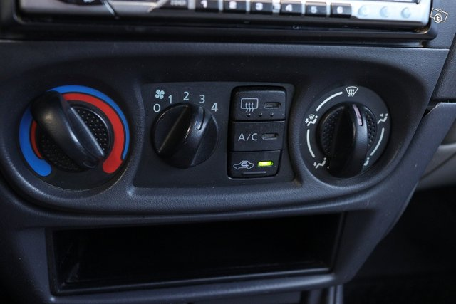 Nissan Almera 13