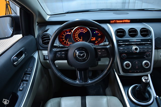 Mazda CX-7 10