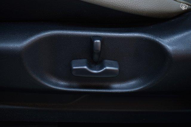 Mazda CX-7 16