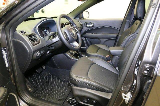 Jeep Compass 4