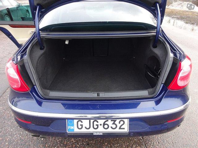 Volkswagen Passat CC 12