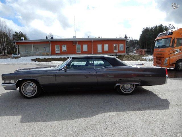 Cadillac De Ville 8
