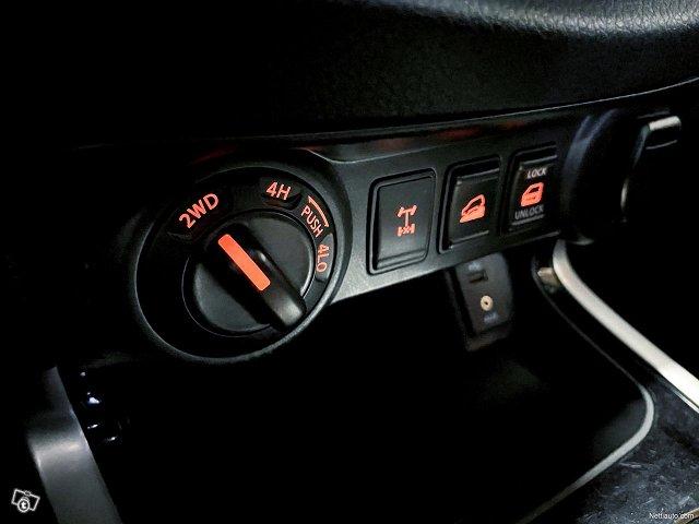 Nissan Navara 15