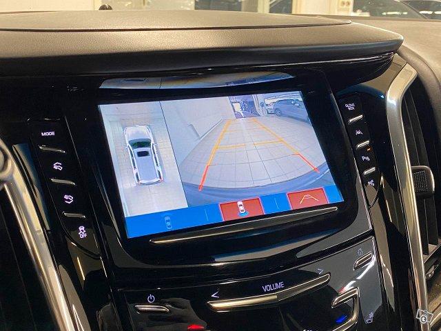 Cadillac Escalade 15
