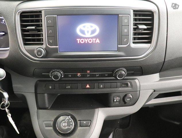 Toyota Proace 12