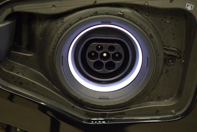 BMW 225 18