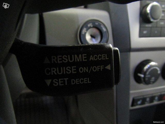 Dodge Avenger 13