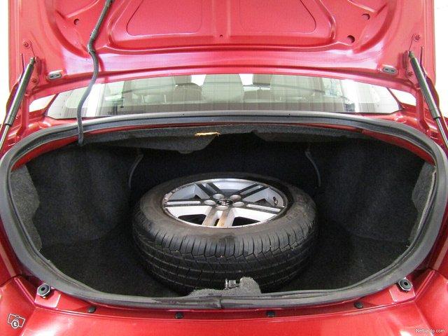 Dodge Avenger 18