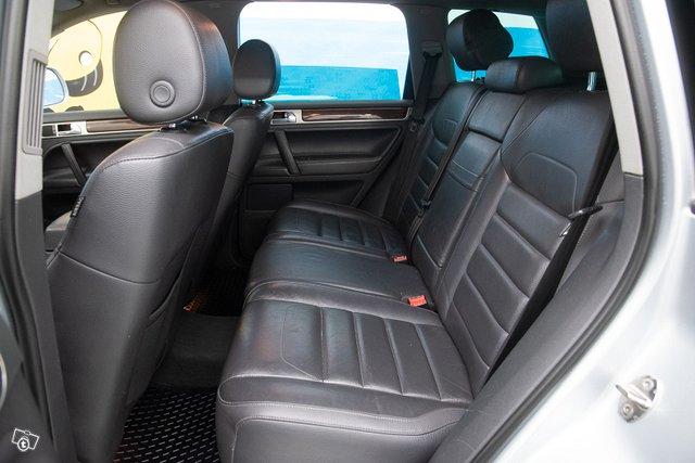Volkswagen Touareg 9