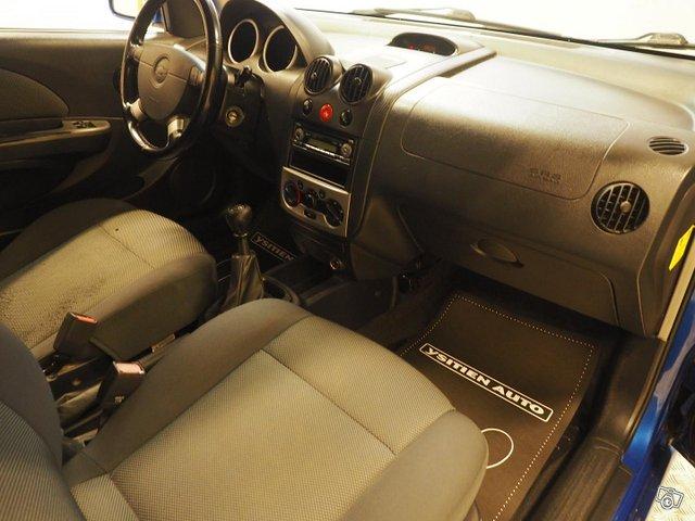 Chevrolet Kalos 11