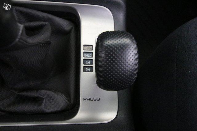 Mitsubishi Pajero 10