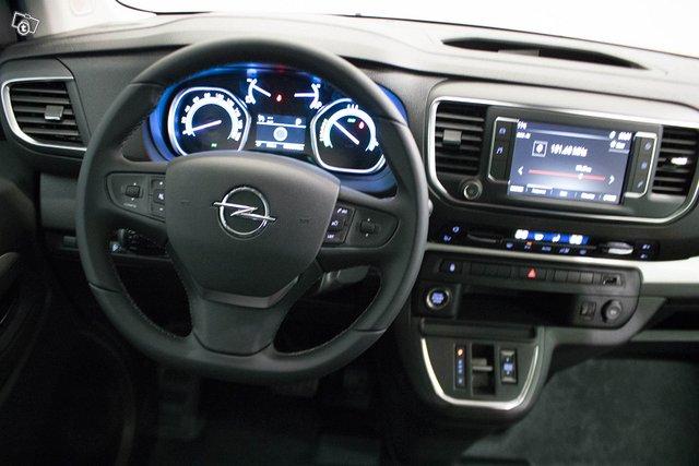 Opel Zafira-e 10