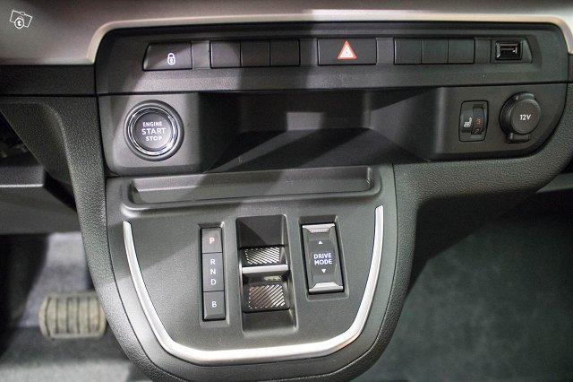 Opel Zafira-e 11