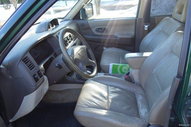 Mitsubishi Pajero Sport 10