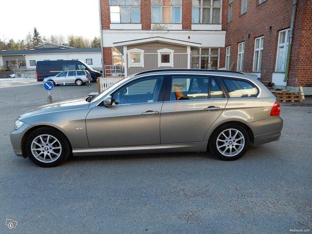BMW 325 8