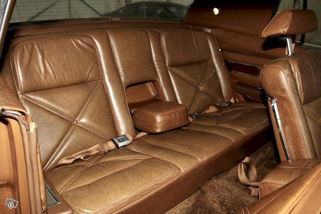 Lincoln Continental 11