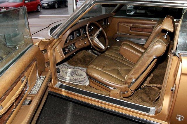 Lincoln Continental 12