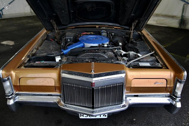 Lincoln Continental 13