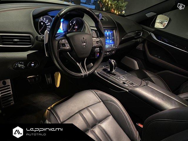 Maserati Levante 10