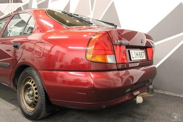 Mitsubishi Carisma 11