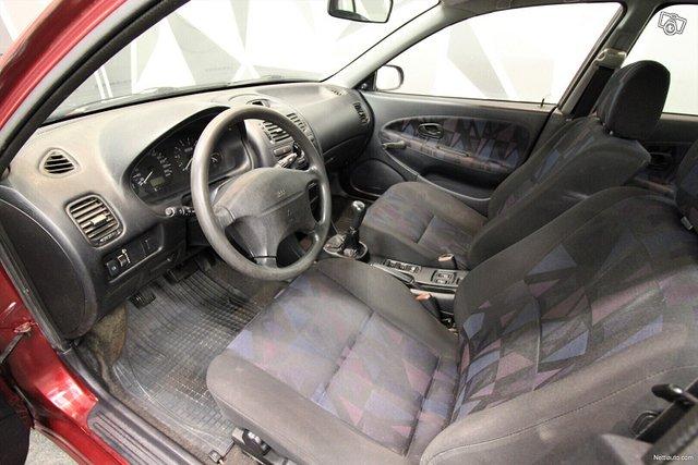 Mitsubishi Carisma 13