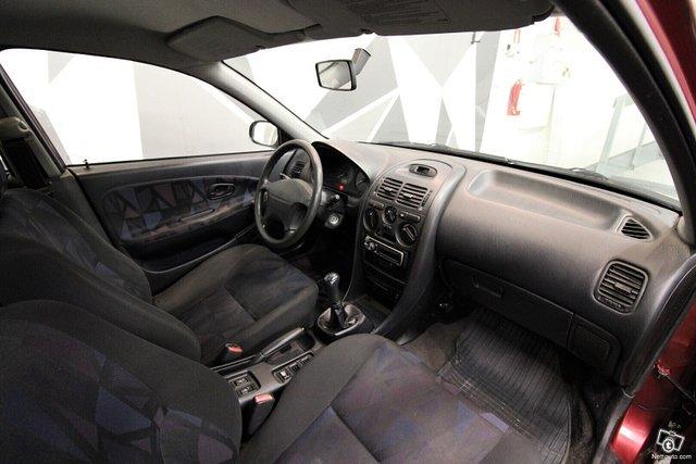 Mitsubishi Carisma 14