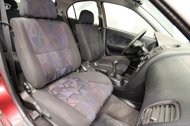 Mitsubishi Carisma 19