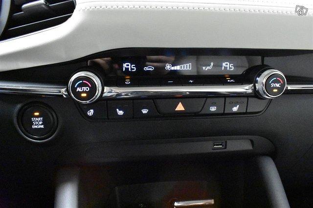 MAZDA Mazda3 24