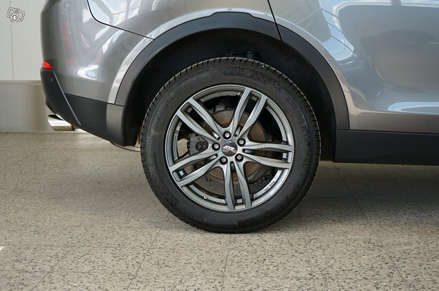 Land Rover Discovery Sport 22