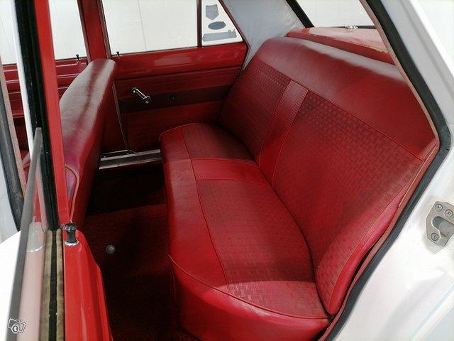 Plymouth Valiant 12