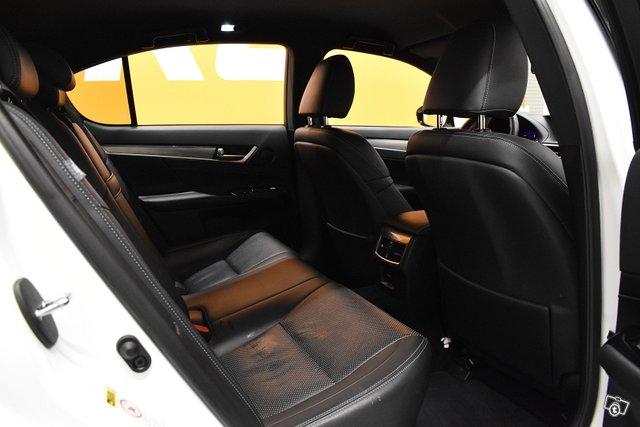 Lexus GS 9