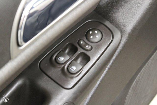 Lancia Ypsilon 15