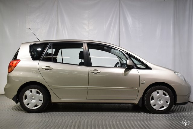 Toyota COROLLA VERSO 5