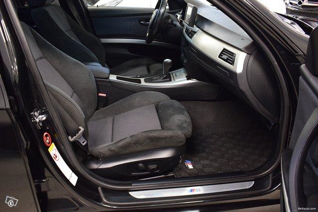 BMW 323 8