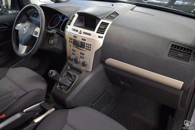 Opel Zafira 11