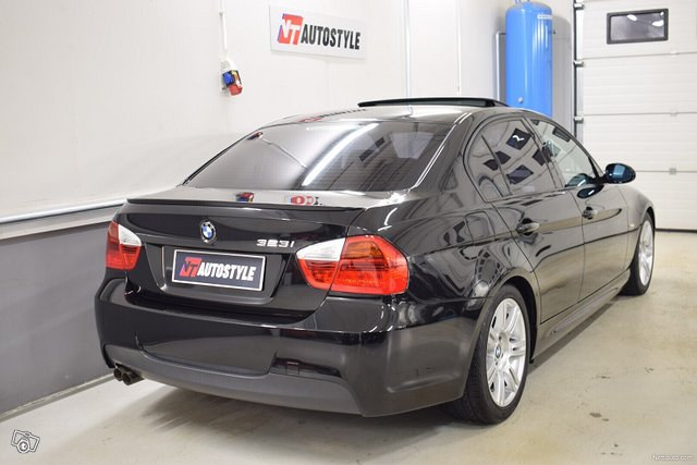 BMW 323 2