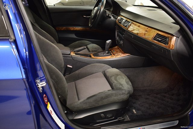 BMW 323 10
