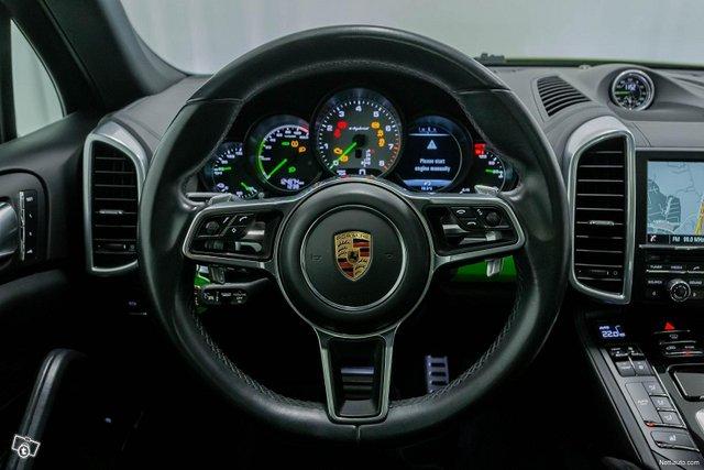 Porsche Cayenne 11
