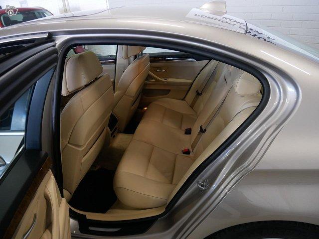 BMW 528 6