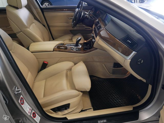 BMW 528 17