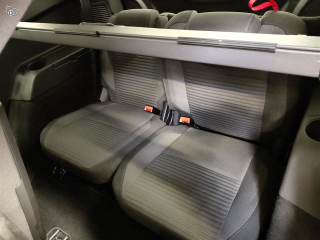 Ford Grand C-Max 11