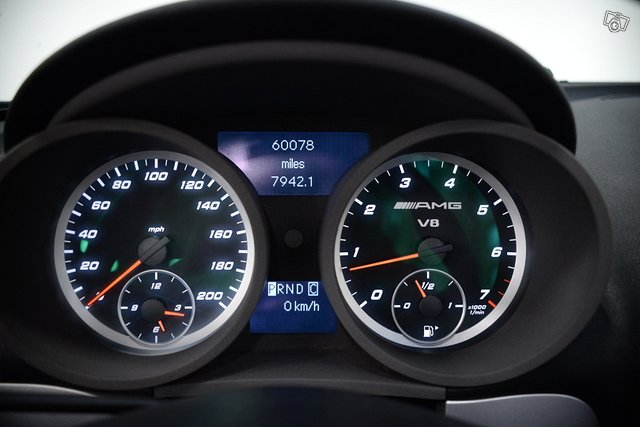 Mercedes-Benz SLK 55 AMG 8