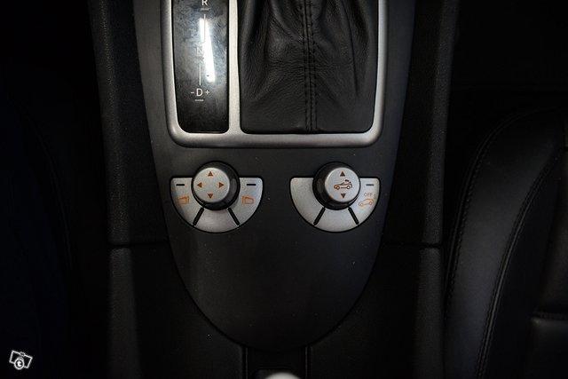 Mercedes-Benz SLK 55 AMG 12