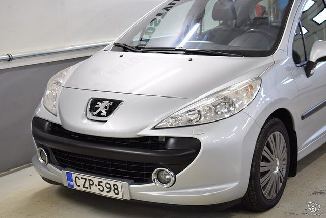 Peugeot 207 8