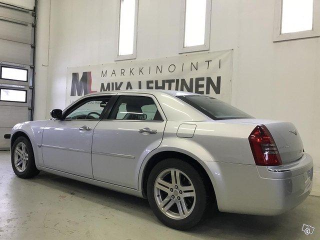 Chrysler 300C 3