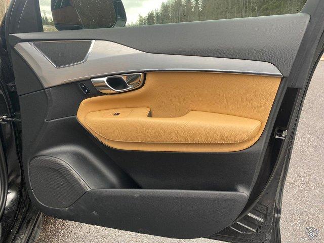 Volvo XC90 17