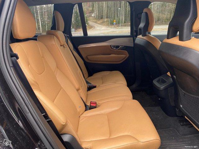 Volvo XC90 21
