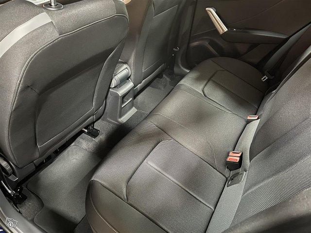 Audi Q2 14