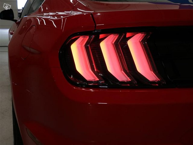 FORD Mustang 21