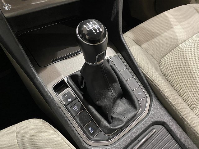 Volkswagen Golf Sportsvan 11